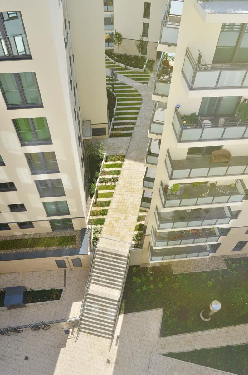 Lichtenstein - Wohnhof Alstercampus - Gebäudenahe Grünflächen